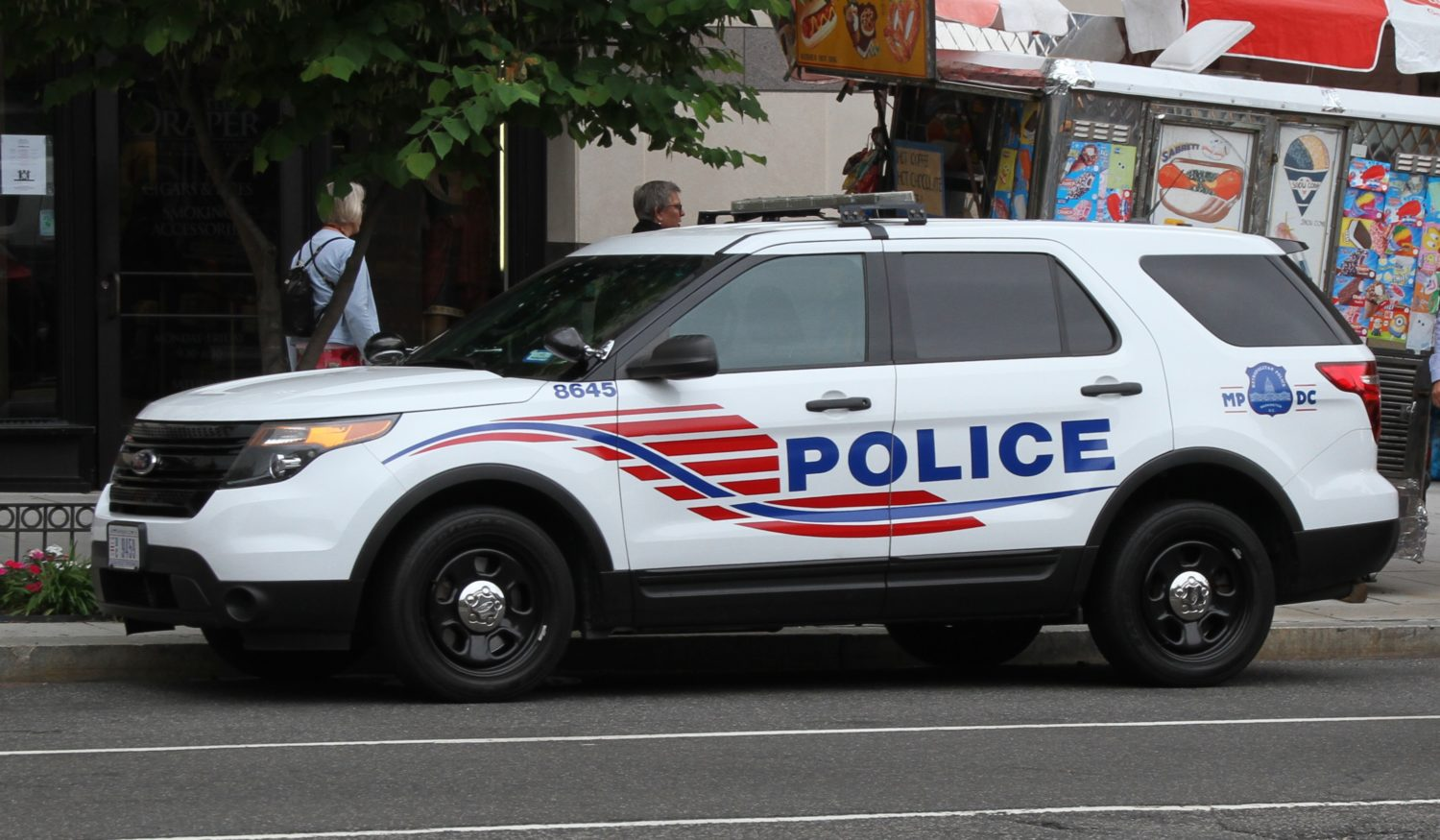 Handcuffing Little Kids May Not Be >> Mpd Arrests At Least One Boy On Charges Of Armed Robbery Dcist