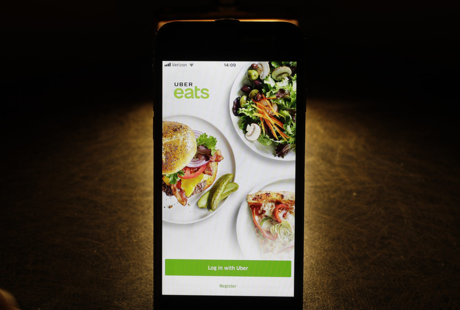 Diners Love Using Food Delivery Apps  Restaurants Say That's